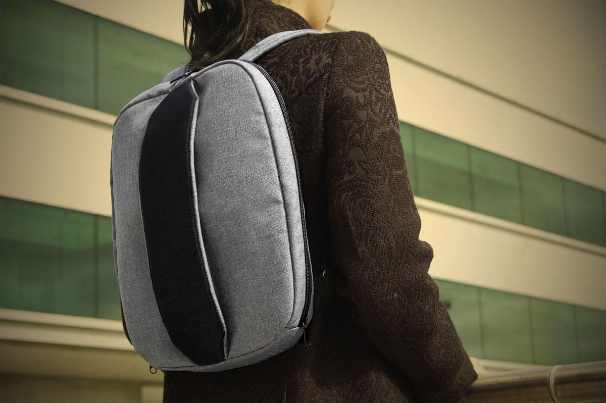 Tweak, an Intelligent Bag from BirdWalk