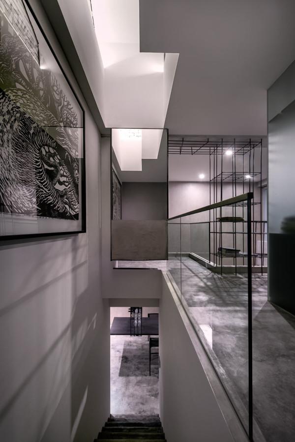 Loft-Apartment-at-Strata-PRODUCE-10