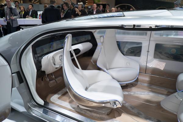 Mercedes-Benz F 015-cabin