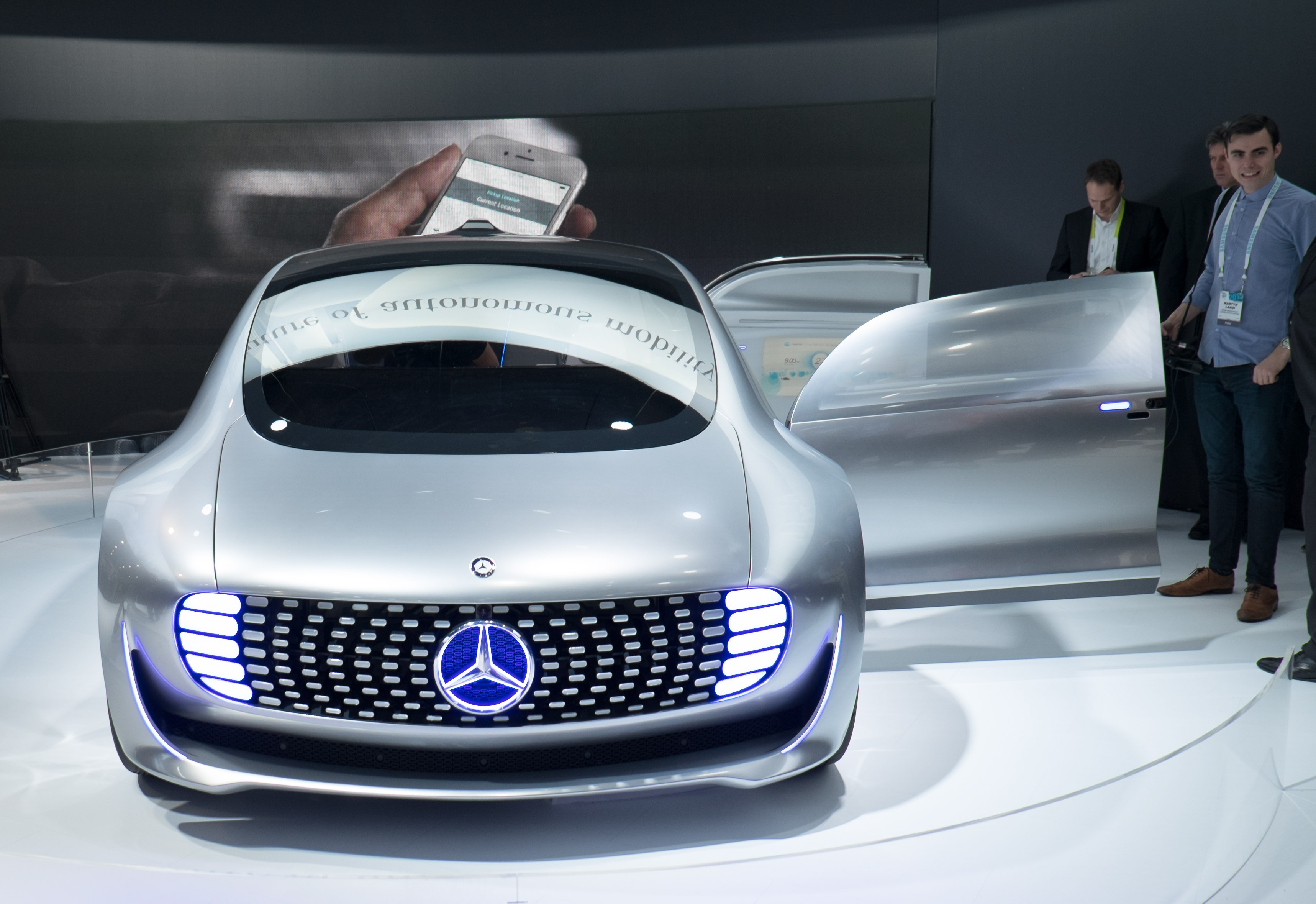 Mercedes F 015 >> Best Of Ces Mercedes F 015 Luxury In Motion Design Milk