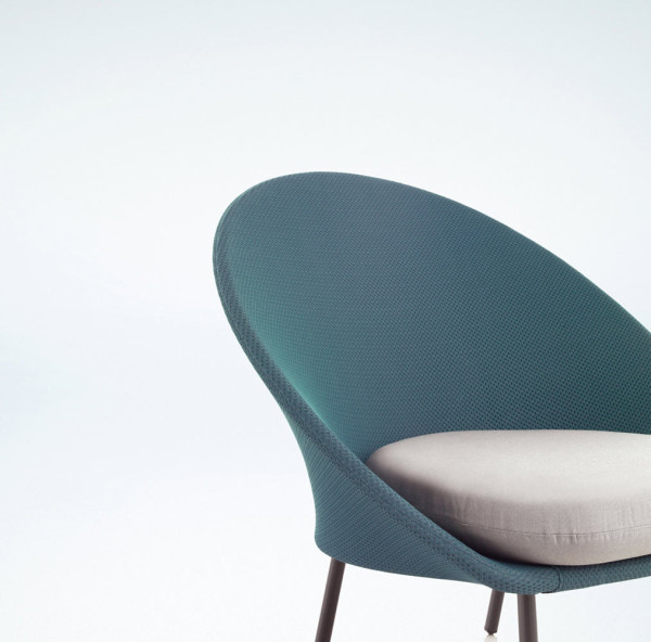 Twins-Chairs-Alberto-Sanchez-MUT-DESIGN-3