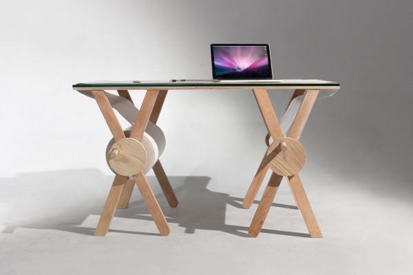 Analog-Memory-Desk-Kirsten-Camara-2