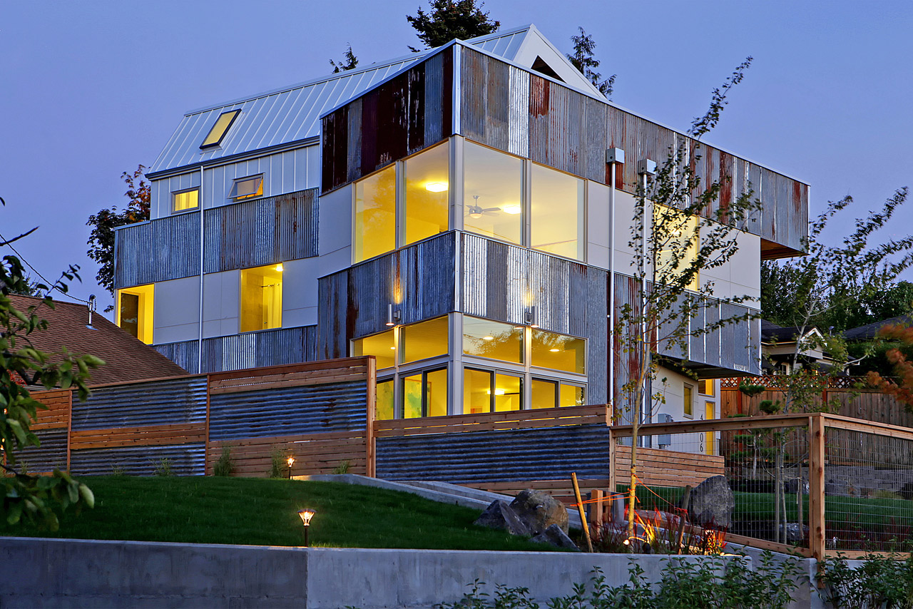 A New House in Seattle Made From Retired Materials
