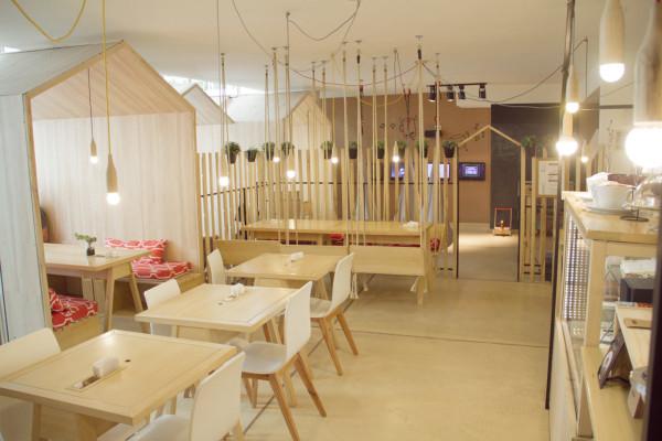 Fiii-Fun-House-Restaurant-Iris-Cantante-4