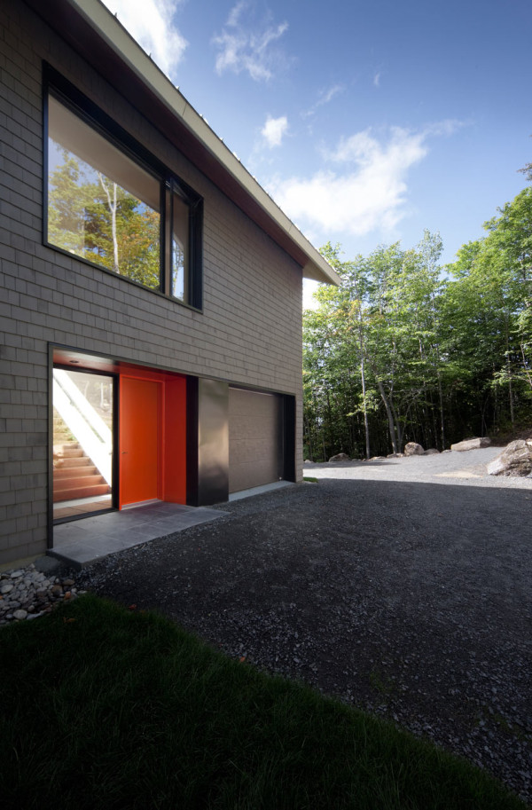 Panarama House Blouin Tardif Architecture 3 600x913 A Modern Cottage on the Edge of the Forest