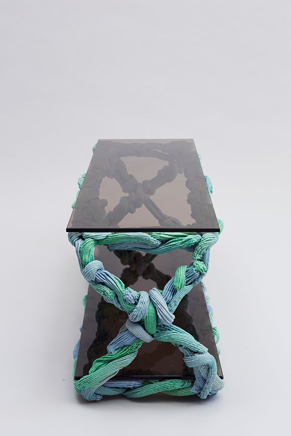 PlasticBaroque_Table_049