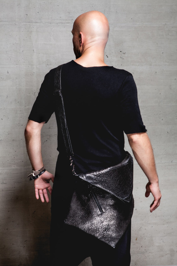 13and9-Design-GEOMETRIC-COLLECTION-JEWELERY-12-BAGS_HEXAGON-MEN
