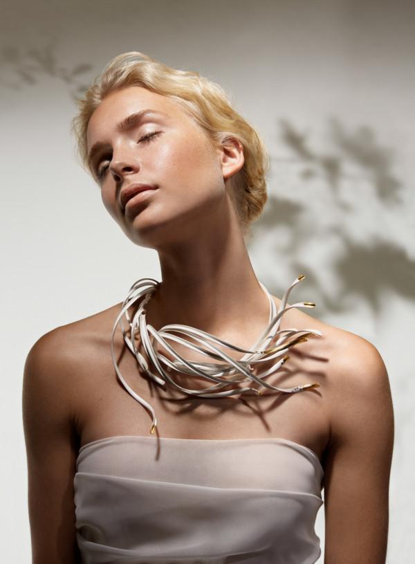 5_Nordic Wind neckpiece_KUO
