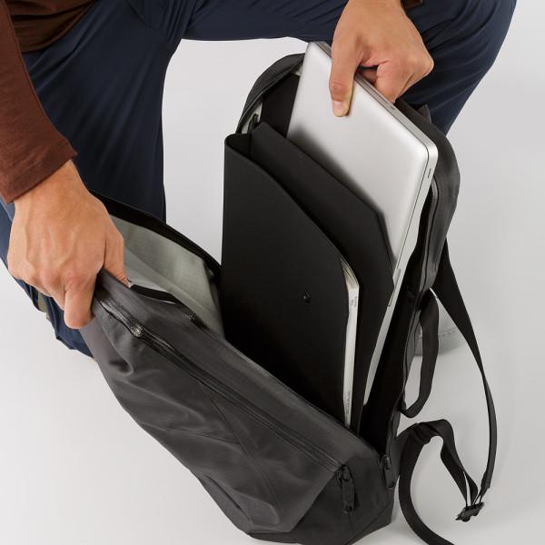 1c4112a3001 Arcteryx Nomin Pack 9 Minimalist Modern Laptop Backpacks Arcteryx Nomin  Pack 600x600