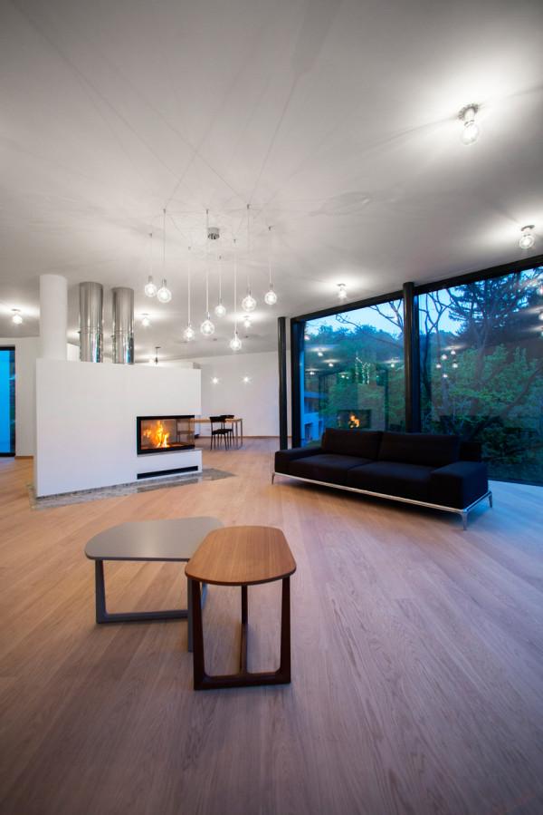 HOUSE-BETWEEN-THE-TREES-Sebo-Lichy-3