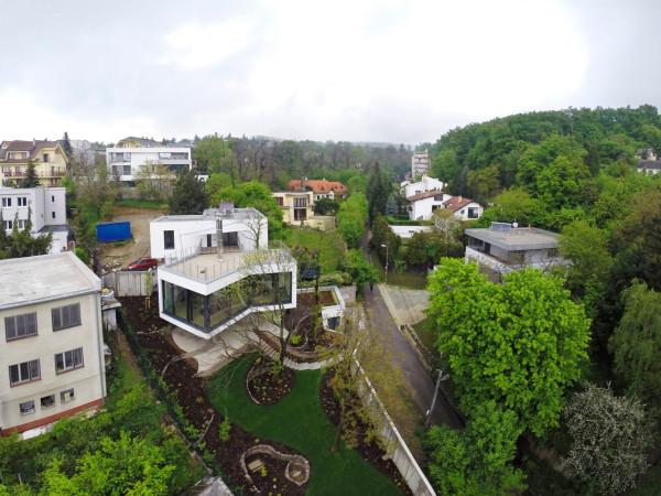 HOUSE-BETWEEN-THE-TREES-Sebo-Lichy-9