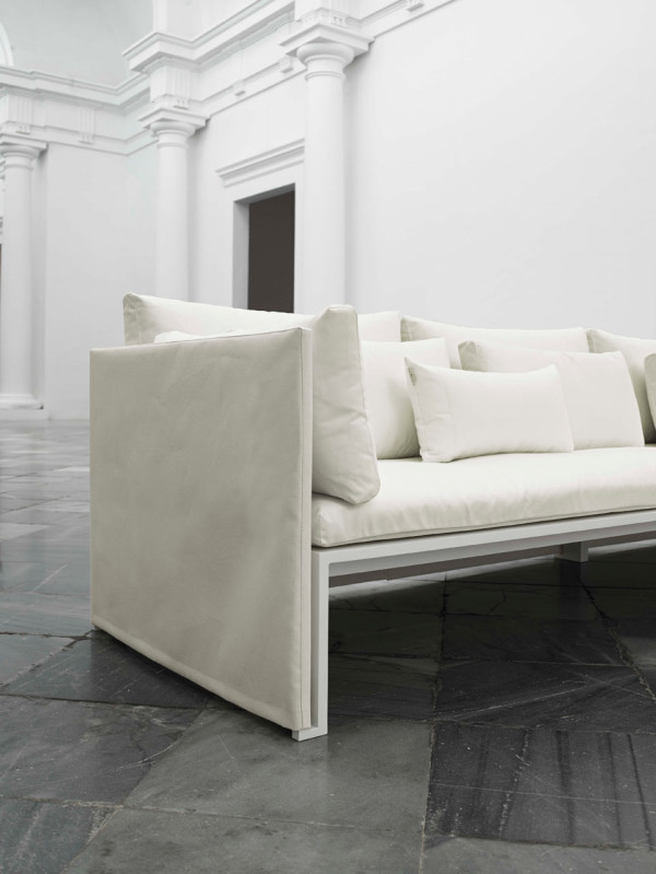 Jian-Outdoor-Furniture-NeriHu-Gandiablasco-11