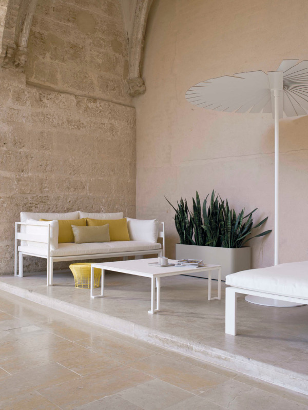 Jian-Outdoor-Furniture-NeriHu-Gandiablasco-4