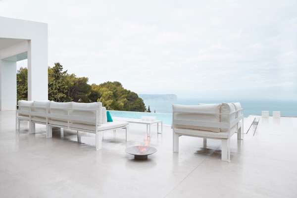 Jian-Outdoor-Furniture-NeriHu-Gandiablasco-6