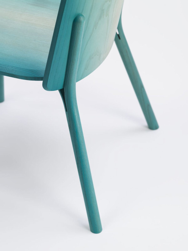 Split-chair-gradient-Arik-Levy-Ton-4