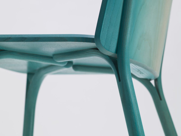 Split-chair-gradient-Arik-Levy-Ton-5