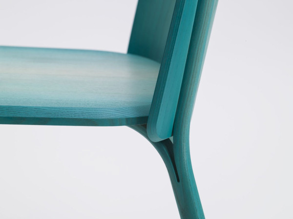 Split-chair-gradient-Arik-Levy-Ton-6