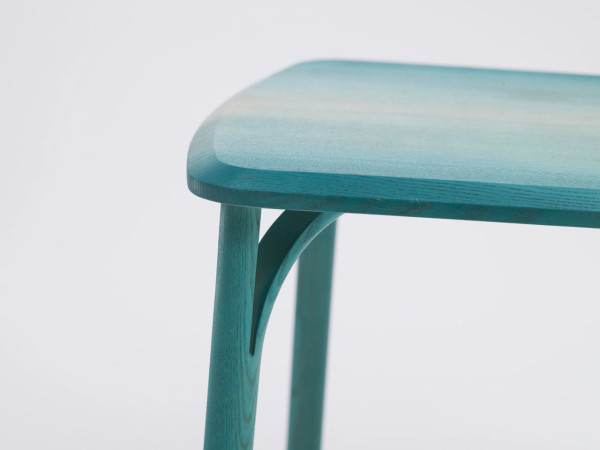 Split-chair-gradient-Arik-Levy-Ton-7