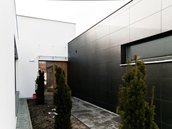 ThirdHouseFromTheSun Le 2 Workshop 2 600x450 A Family's 3rd and Final House in Lodz, Poland