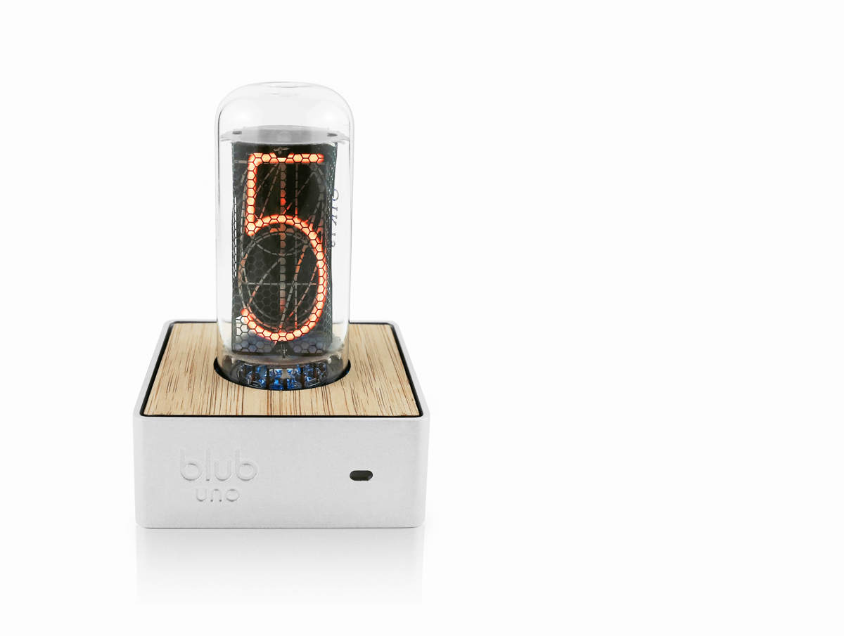 Blub Uno: A Clock You'll Never Want to Stop Checking