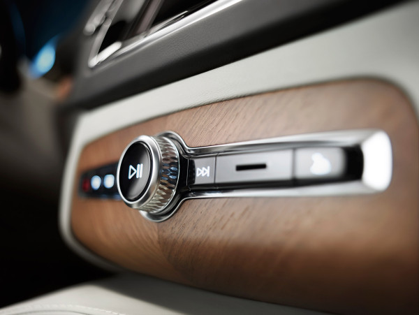"Though the XC90 comes equipped with a 9"" touchscreen panel display, Volvo designers respected that even in the era of touch-swipe a dial and button are still the superior interface for control while driving."