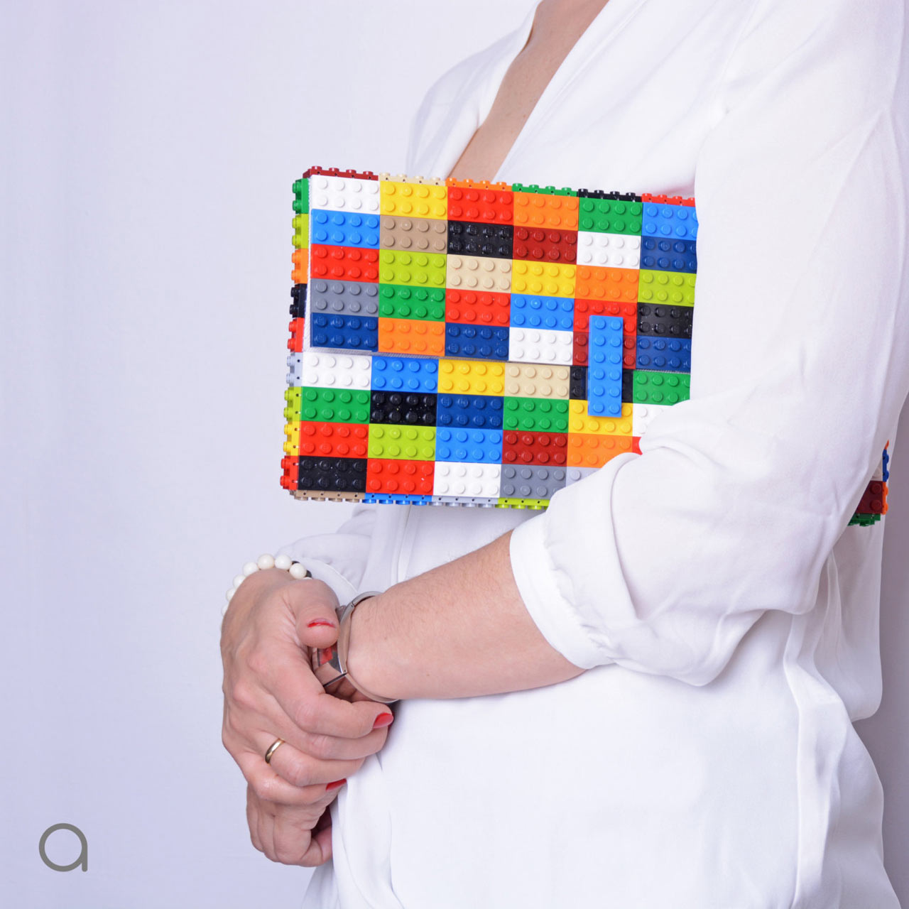agabag: Handbags Made From LEGO Bricks