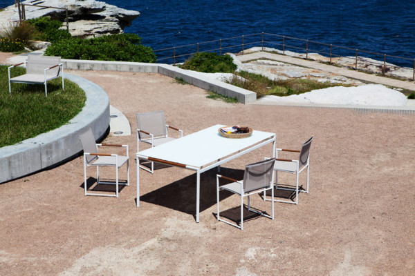 harbour-outdoor-Breeze-Dining-Table