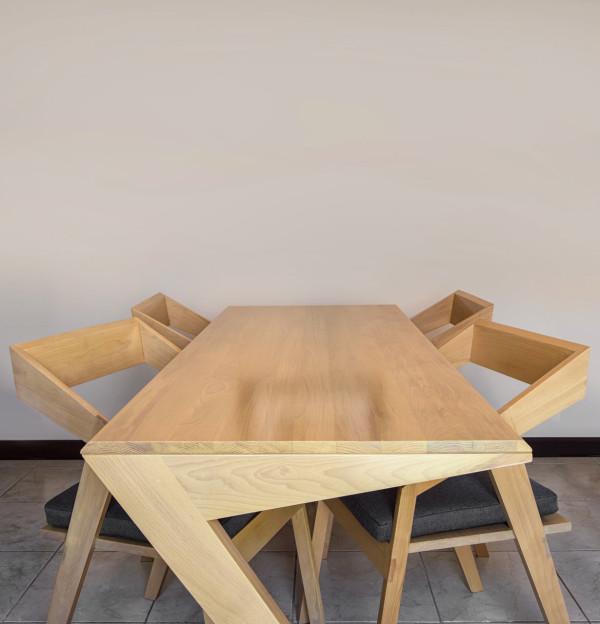 Cyntia-Briano-3-Tables