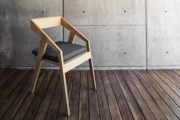 Cyntia-Briano-4-Briano-Chair