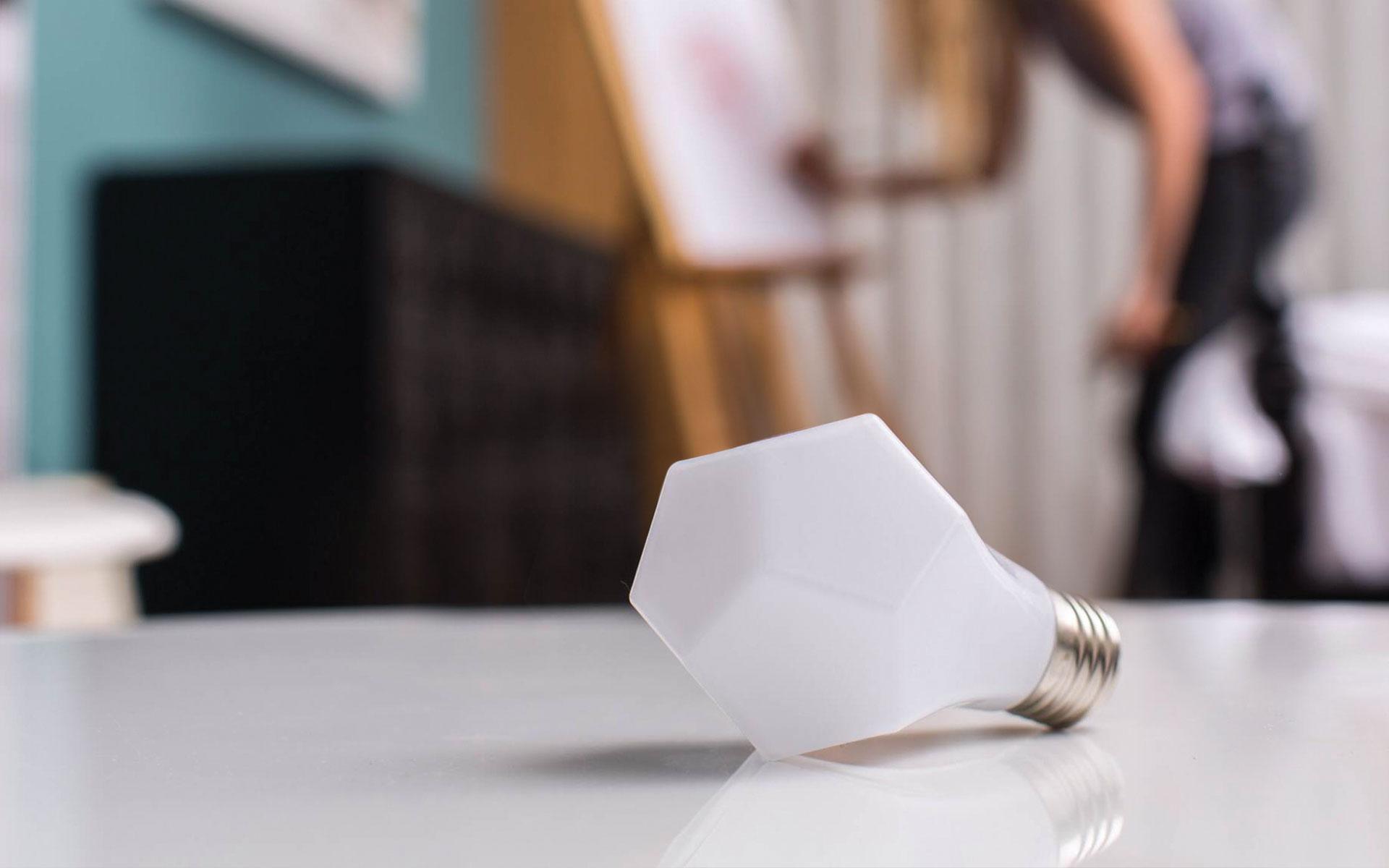 Nanoleaf Bloom and Gem LED Lightbulbs Are Openly Efficient by Design