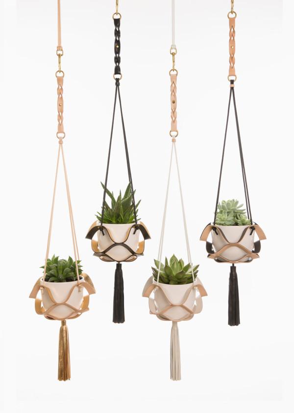 Plant-hangers-Kathryn-Leah-Payne-7-tassel