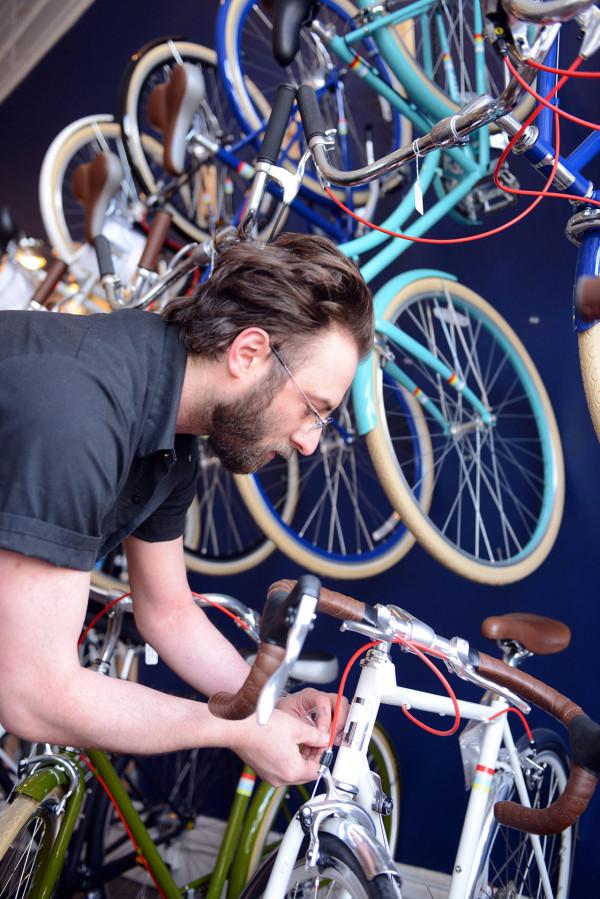 love-bikes-pittsburgh-fixing