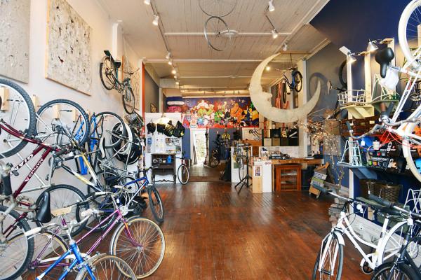 love-bikes-pittsburgh-interior-1