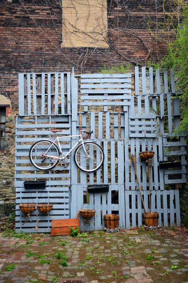 love-bikes-pittsburgh-wood-wall