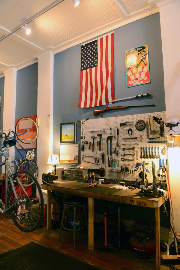 love-bikes-pittsburgh-workbench