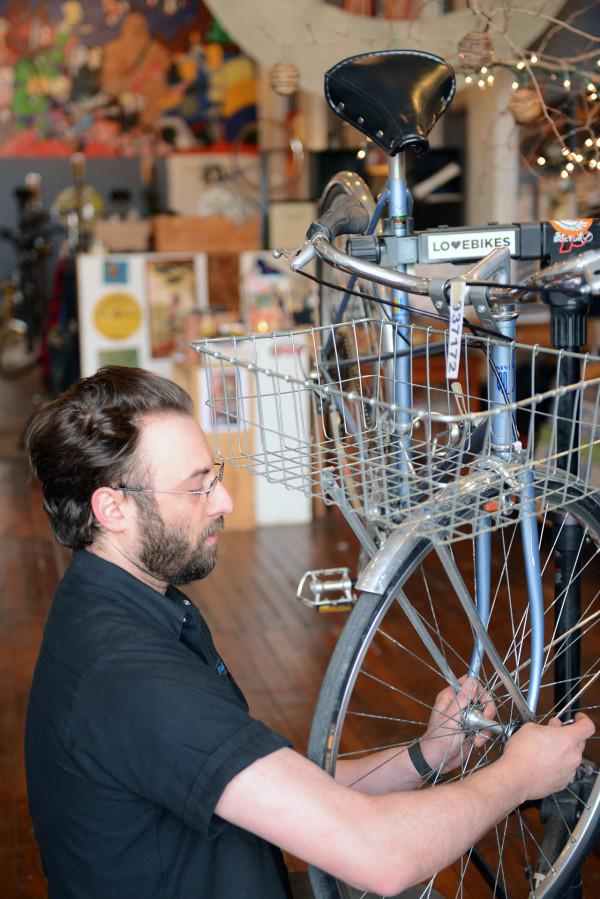 love-bikes-pittsburgh-working