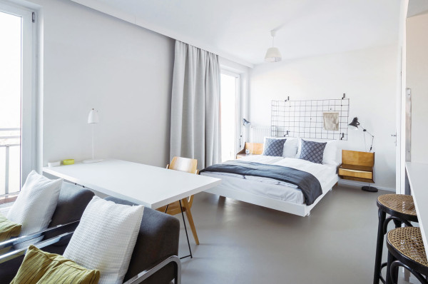 A hotel for tourists refugees under one roof design milk for Design hotel vienna