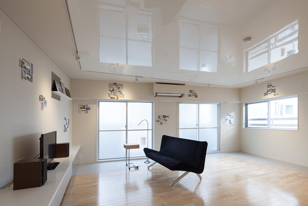 Toho Apartment Renovation by Yusaku Matsuoka Architects and Associates