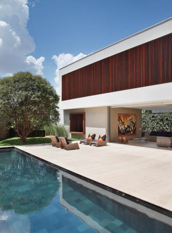 AH-House-Studio-Guilherme-Torres-17