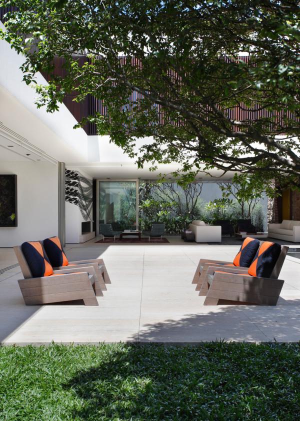 AH-House-Studio-Guilherme-Torres-19