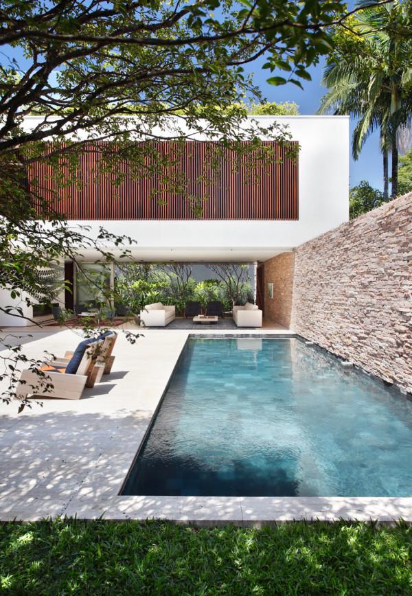 AH-House-Studio-Guilherme-Torres-20