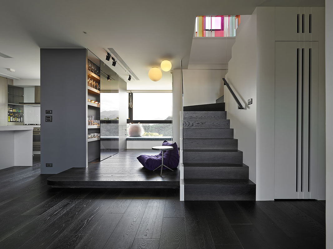 "backReturn to ""A Two-Story Family Apartment in Taiwan"""