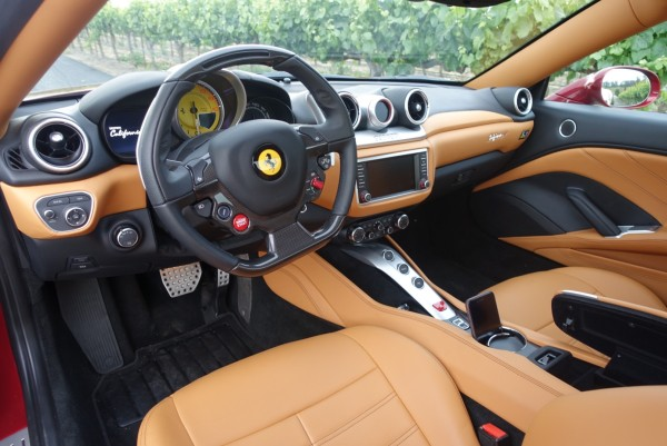 Ferrari-CaliforniaT-interior