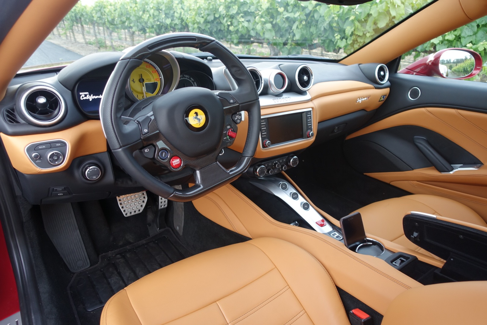 Ferrari californiat interior design milk for Ferrari california t interieur
