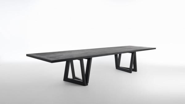 QuaDror-by-Horm-Dror-Benshetrit-5-table