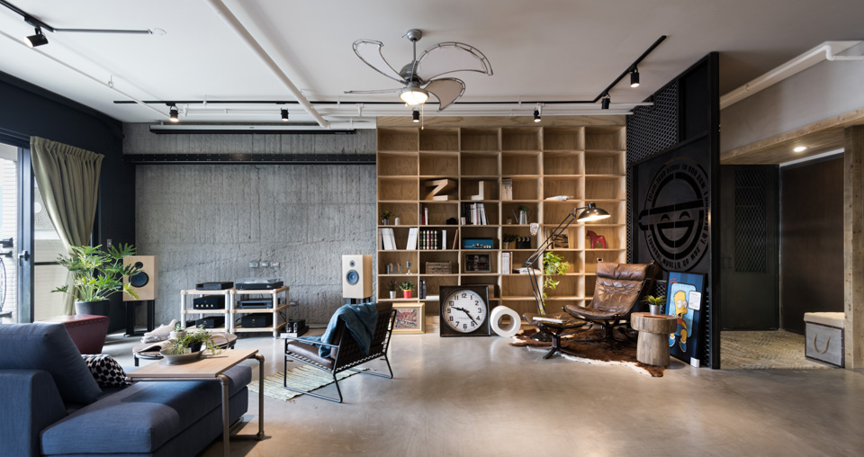 A loft designed for a couple and their 3 cats design milk - Decoration loft industriel ...