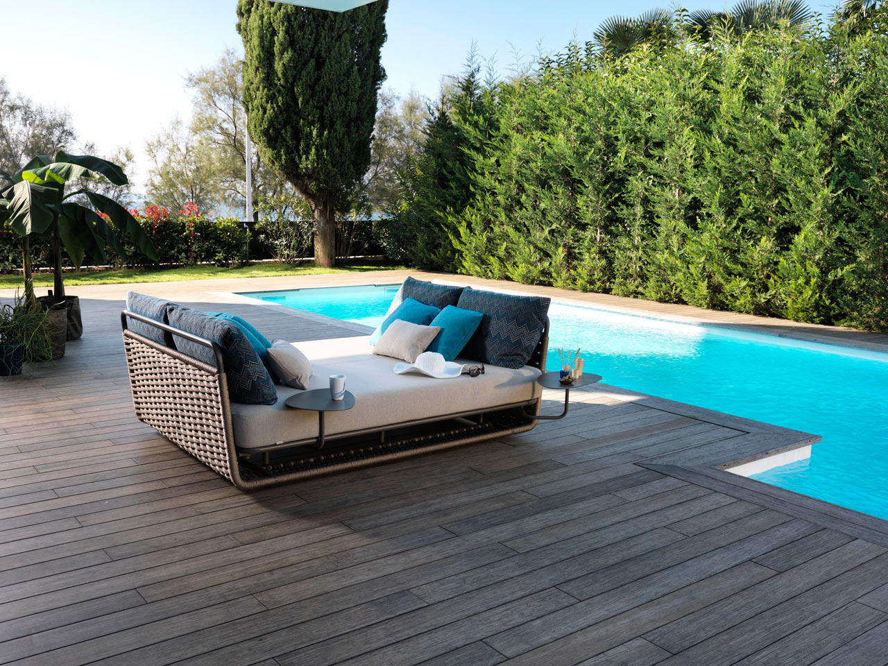 the perfect daybed for outdoor napping - design milk