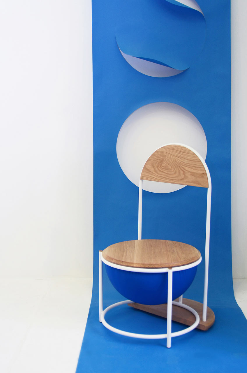 A Chair That Celebrates Simple, Functional Characteristics