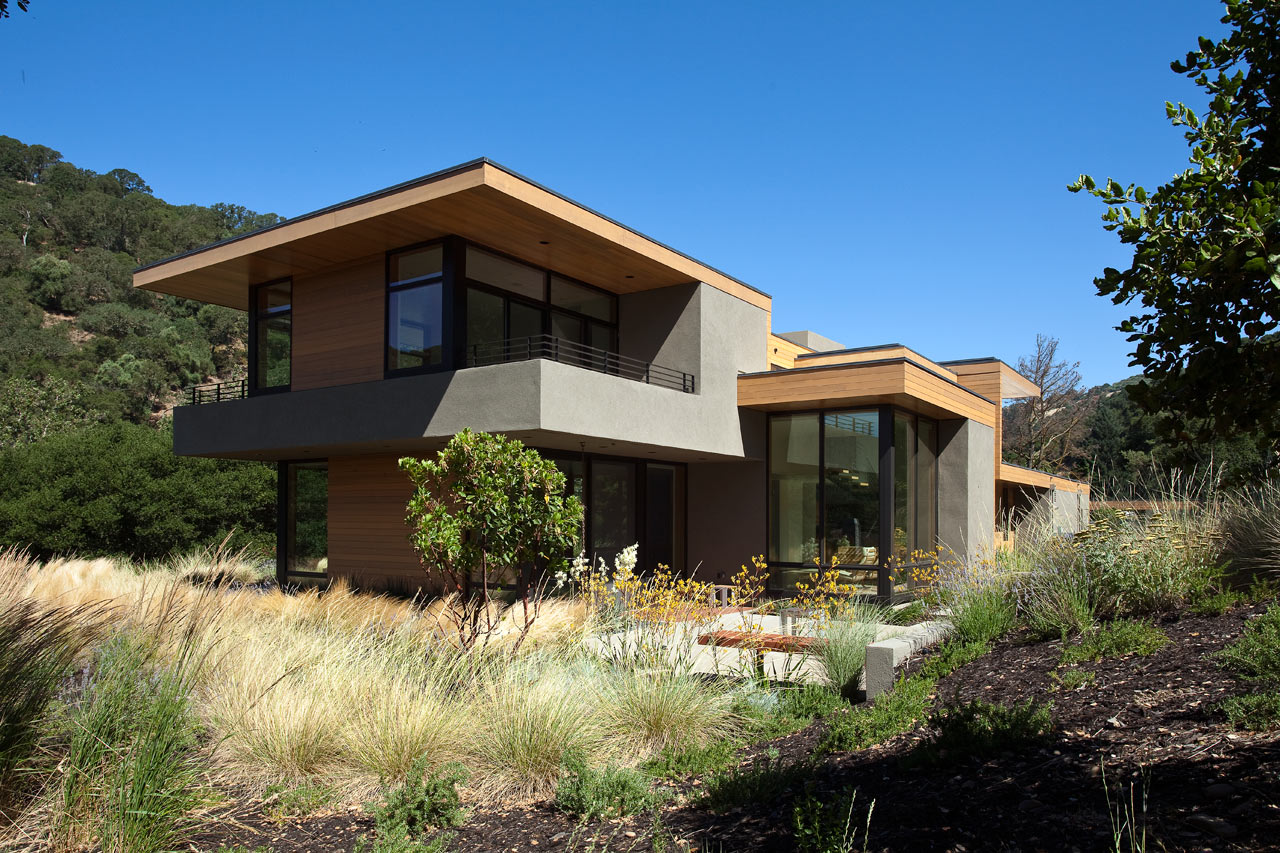 A modern home in rural sunol