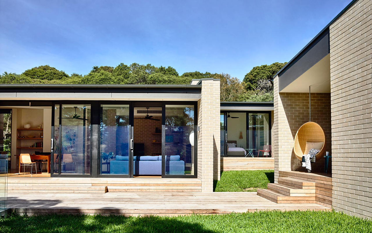 A Coastal Holiday House By Inform Design Milk